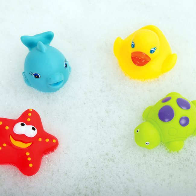 0187482-Floating-Friends-Bath-Fun-and-Storage-Set-2-(RGB)